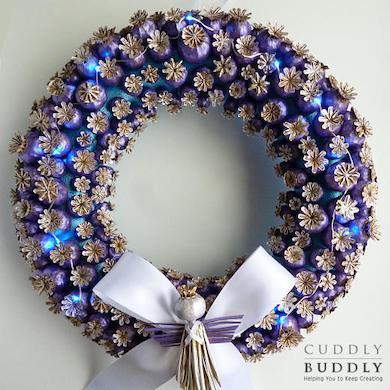 Poppy Seed Heads Christmas Wreath