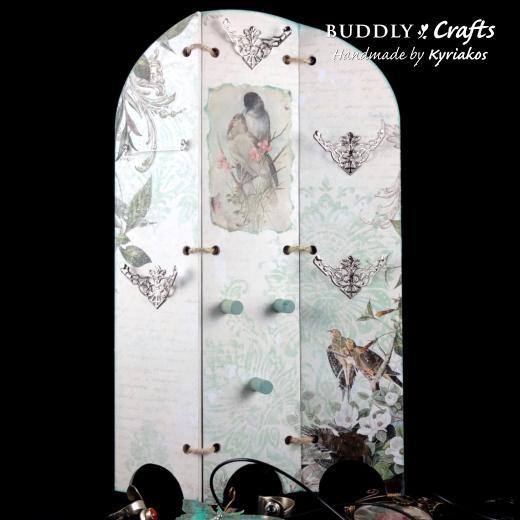 DIY Triptych Jewellery Screen